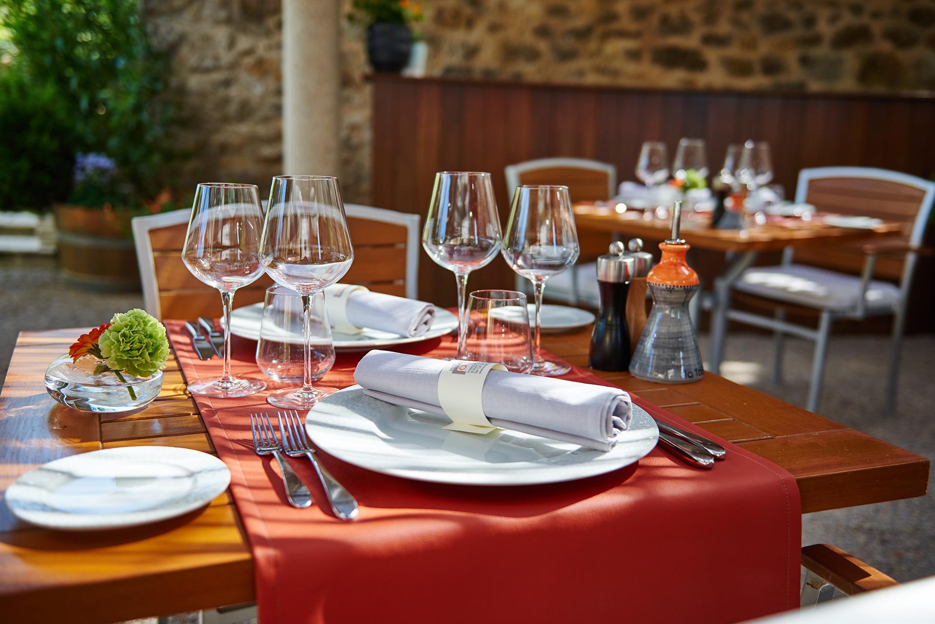 La Table Restaurant Tourtour