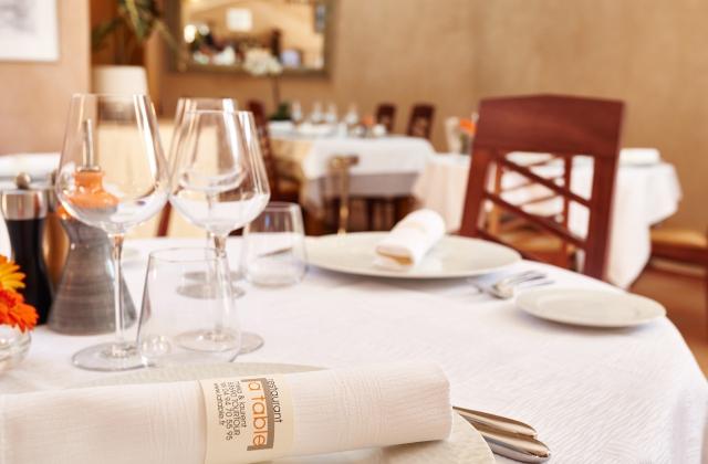 Restaurant la table tourtour au c ur du village de for Table 99 restaurant